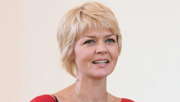 Юлия меньшова короткая стрижка