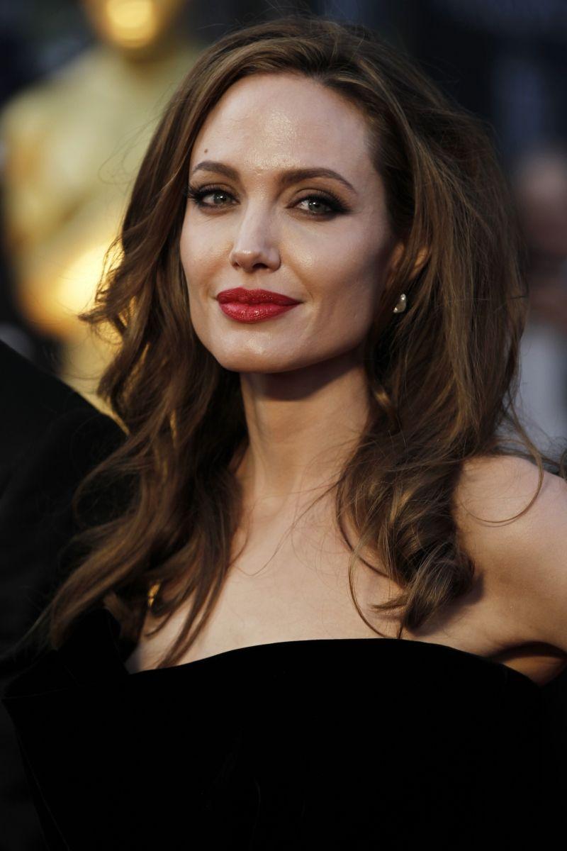 Angelina jolie blonde hair salt